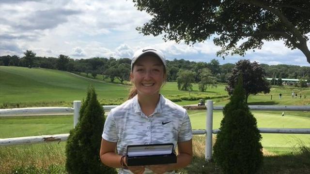 Erkekler turnuvasını kazanan kadın golfçüye kupası verilmedi