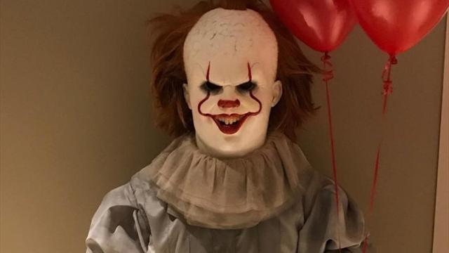 Самый высокий в мире клоун-убийца от Леброна