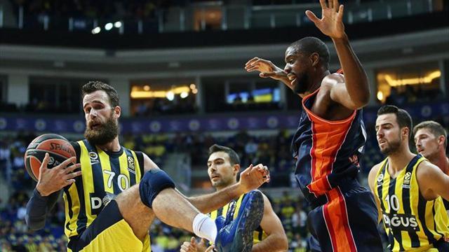 79-66. El Valencia Basket se queda corto para pelear el triunfo en la pista del Fenerbahce