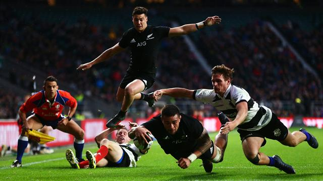 New Zealand hit back to beat Barbarians 31-22