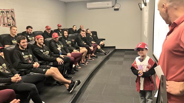 Больной лейкемией 7-летний мальчик на одну игру станет ассистентом тренера «Аризоны»