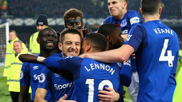 Baines scores dramatic winner as Everton come from two down to beat Watford
