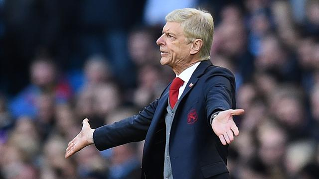 Arsene Wenger plays down talk of Arsenal board reviewing his position