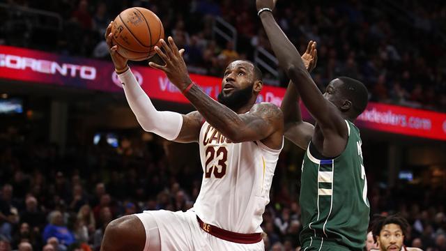 I risultati della notte: Antetokounmpo battuto da LeBron, Clippers ko con gli Spurs
