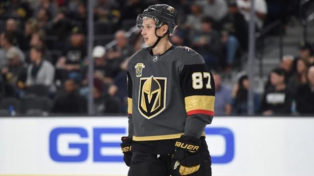 «Все в «Вегасе» играли лучше, чем он». Шипачев окончательно покинул НХЛ