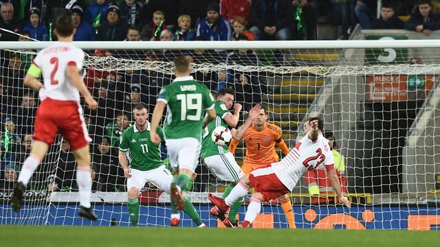 """""""Pire que la main d'Henry"""" : l'Irlande du Nord crie au scandale après sa défaite contre la Suisse"""