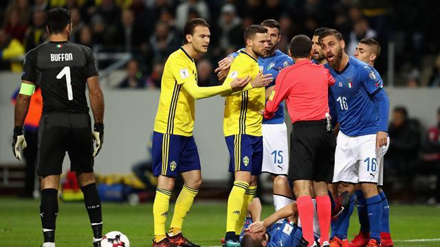 Un gol de Johansson derrota a Italia (1-0) y complica su presencia en el Mundial