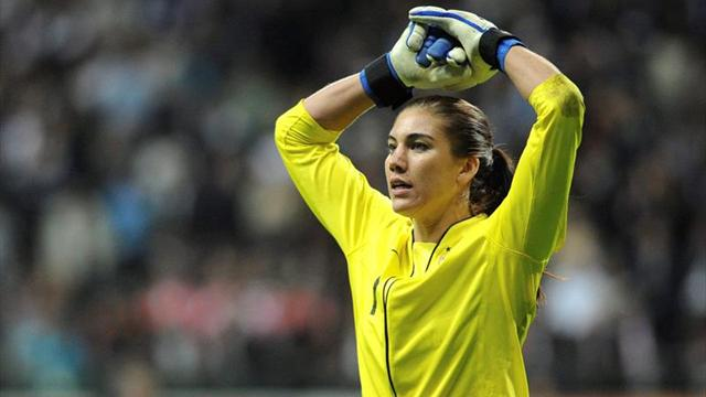 La guardameta de EEUU Hope Solo acusa a Joseph Blatter de abuso sexual