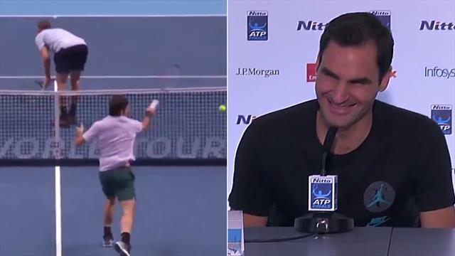 """Sock si gira, Federer sbaglia la volée: """"La prossima volta ti centro"""""""
