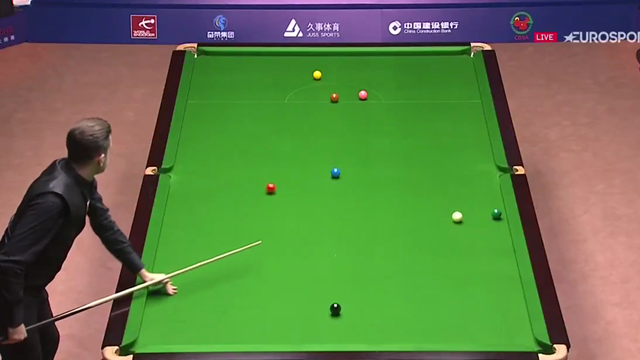 Selby shows class in Shanghai