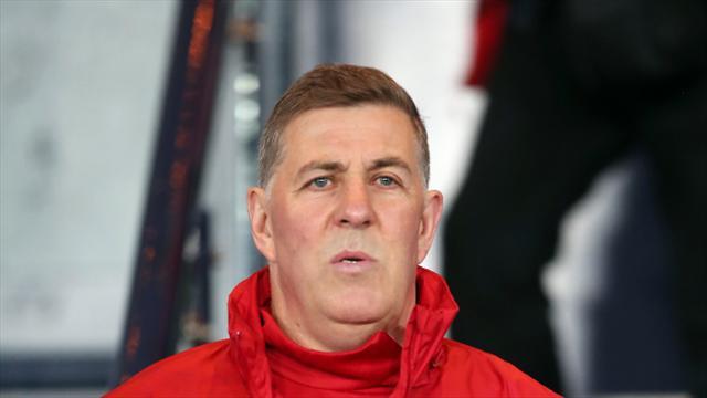Barnet appoint Mark McGhee as boss