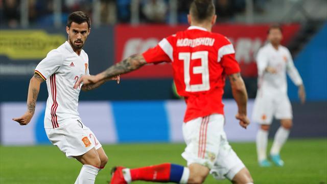 Дубль Смолова спас Россию от поражения в игре с Испанией