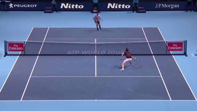 Il recupero prodigioso di Zverev non basta, Federer è implacabile sotto rete