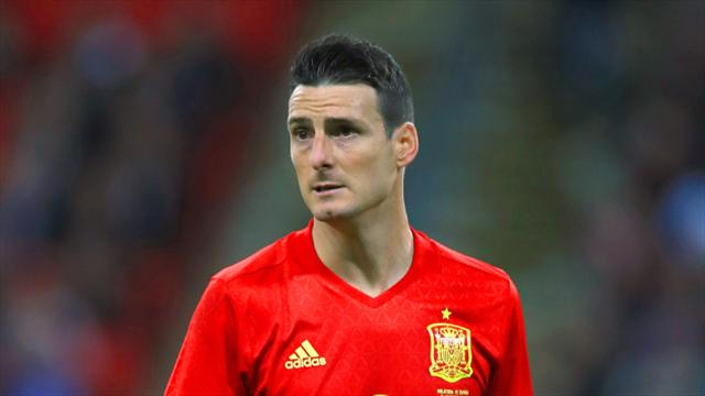 Aritz Aduriz signs new contract at Athletic Bilbao
