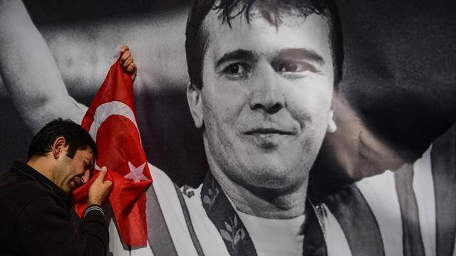 Communisme, exil, Hercule, gloire et politique : Vies et mort de Naim Suleymanoglu