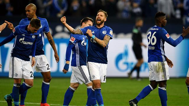 Schalke win again and climb to second