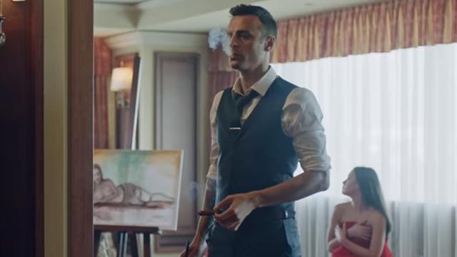 Бербатов дебютирует в кино в роли гангстера, который наказывает людей ударом мячом по лицу