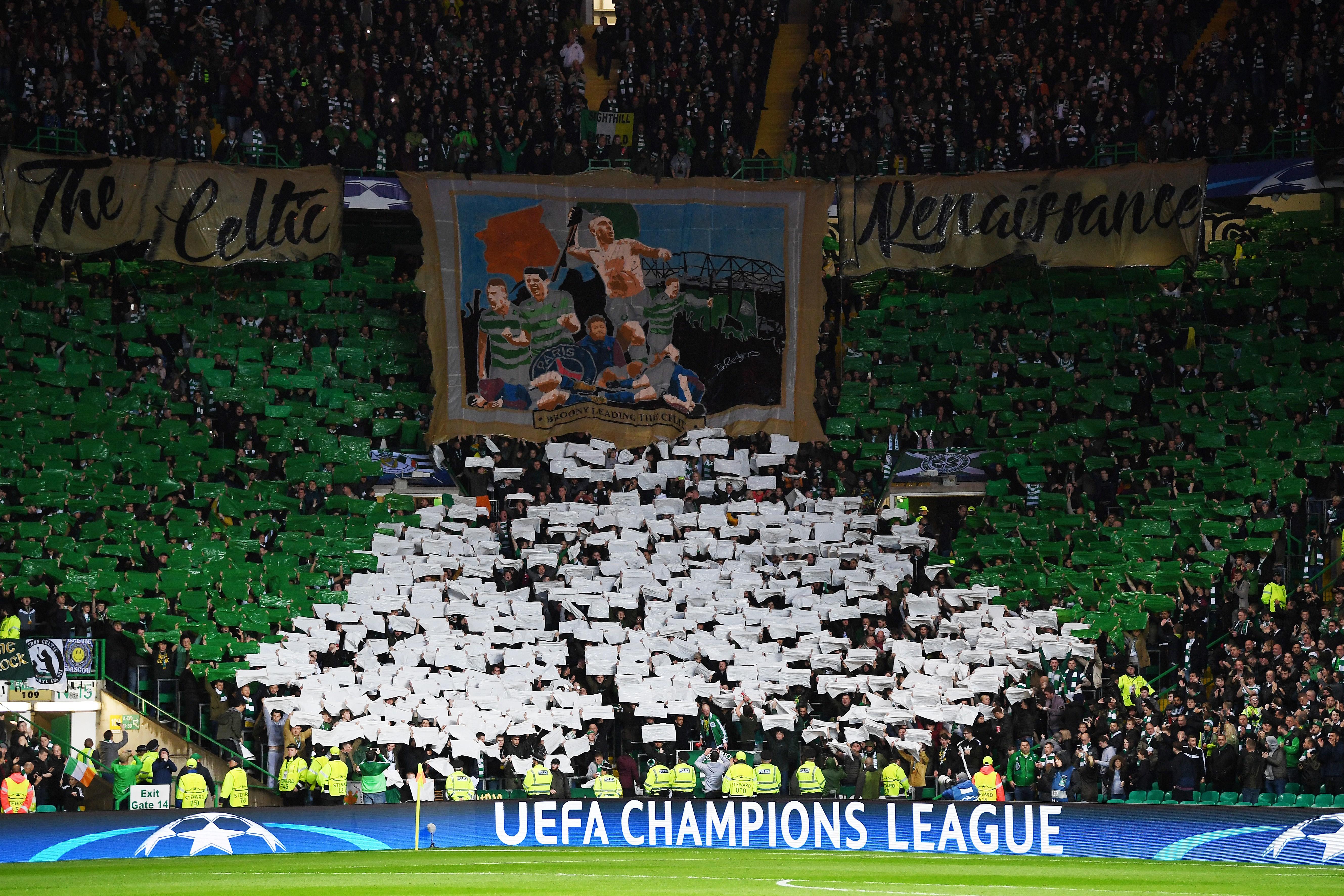 Un tifo des supporters du Celtic lors de Celtic-PSG
