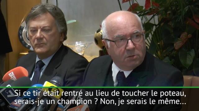 La conférence de presse hallucinante de Tavecchio