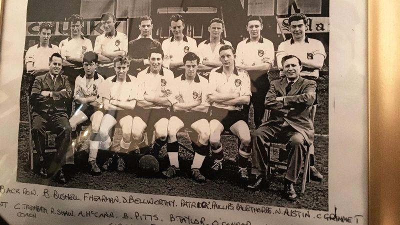 Una storica formazione del Maidenhead United, squadra di York Road, lo stadio di calcio più antico, ancora in attività