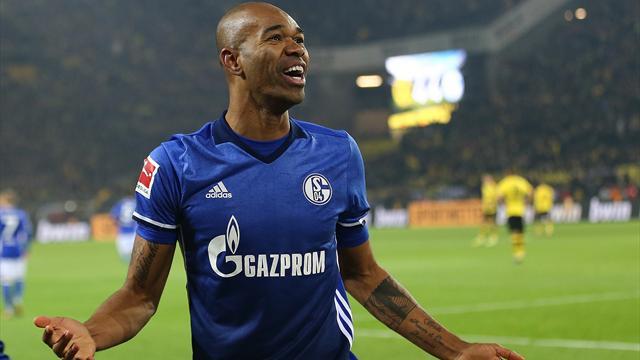 Schalke complete four-goal comeback to draw 4-4 at Dortmund