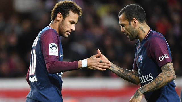 Neymar a félicité le PSG pour son titre en Coupe de la Ligue et a rendu hommage à Dani Alves