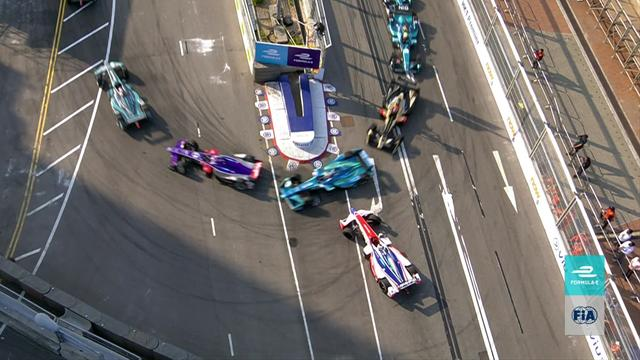 Race leader Rosenqvist spins out at Turn 1