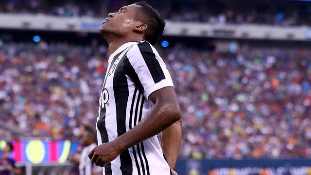 Juventus, che fai con Alex Sandro? Se il Chelsea torna alla carica la cessione non è da escludere