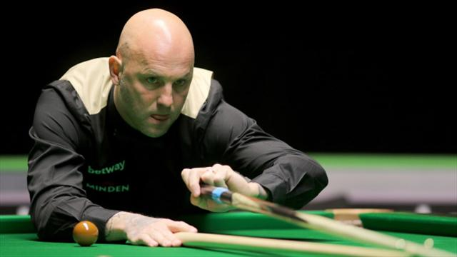King misses out on 147 maximum break and £20k prize by TWO balls