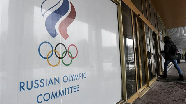 Fencing's Russian boss attacks flag ban at Olympics