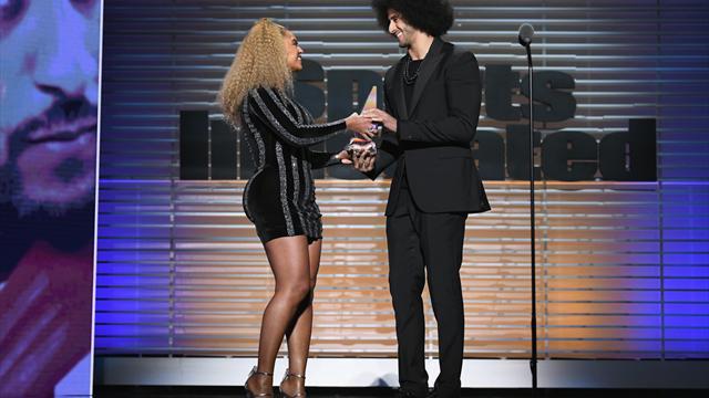 "Beyonce verleiht ""Rebell"" Kaepernick Ali-Vermächtnis-Preis"