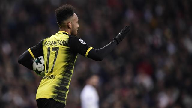 Chelsea rival Barca Arthur interest