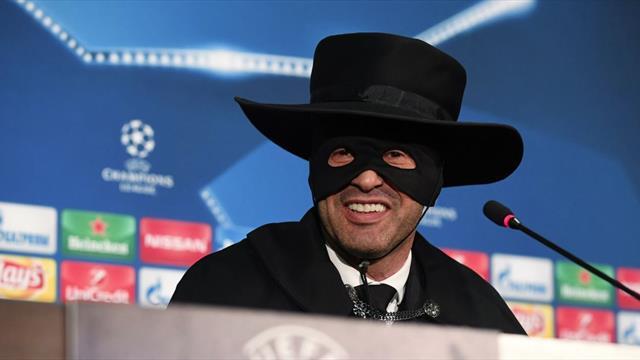 El entrenador del Shakhtar cumplió su primera y apareció disfrazado del 'Zorro'
