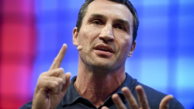 Klitschko versteigert letzten Kampfmantel - mit geheimer Prognose