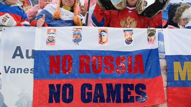 Олимпийцам пришлось заклеивать символику РФ на форме, поскольку на всех не хватило новой атрибутики