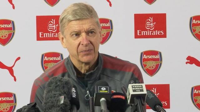 """Wenger : """"Je veux que Giroud reste avec nous jusqu'à la fin de saison"""""""