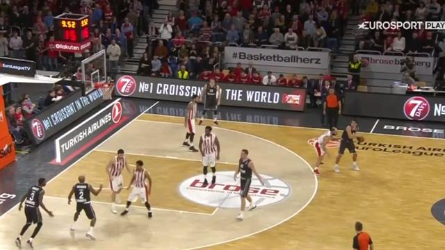 Highlights: Brose Bamberg-Olympiacos Pireo 67-65