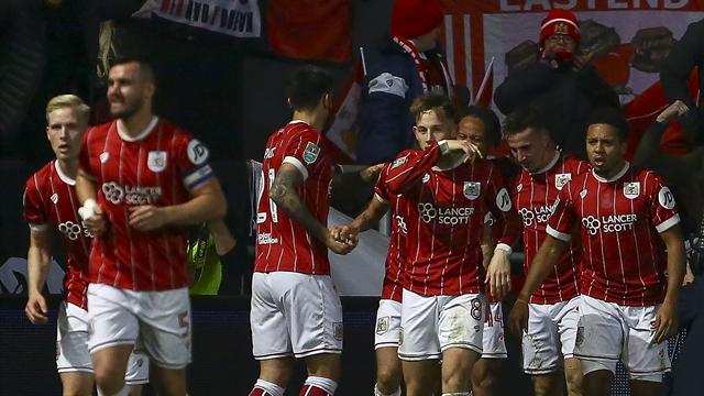E' giant killing ad Ashton Gate! Bristol City batte Manchester United 2-1 e vola in semifinale