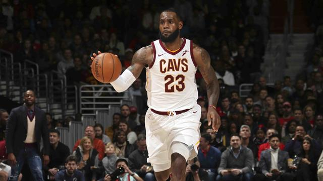 Basket: 23 punti James, Cleveland vince