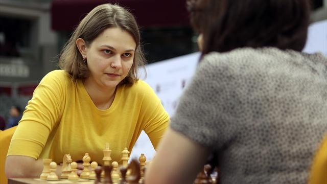 """La championne d'échecs Anna Muzychuk dit """"non"""" aux Mondiaux en Arabie Saoudite par conviction"""