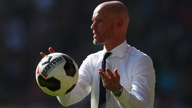 """L'entraîneur de l'Ajax ironise sur de Jong au PSG : """"Il parle déjà français !"""""""