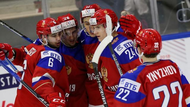 Молодежная сборная РФ похоккею удивила швейцарцев, обыграв ихсразгромным счетом,
