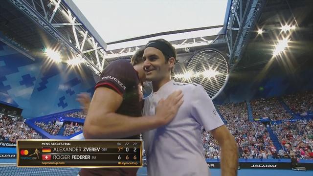 Amortie, revers, lob : Federer a tout fait à Zverev