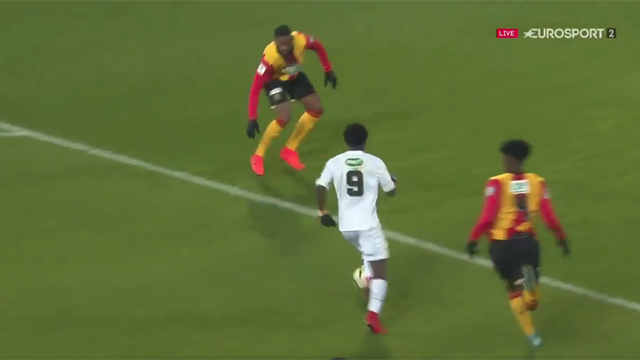 Avec réussite, Koné s'est baladé dans la défense lensoise : l'ouverture du score de Boulogne