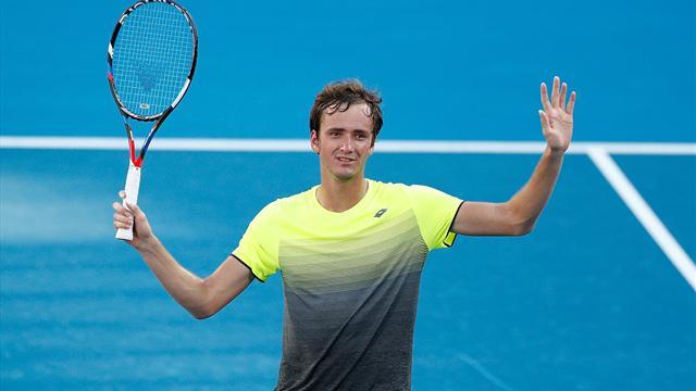 Медведев выиграл первый турнир ATP в карьере