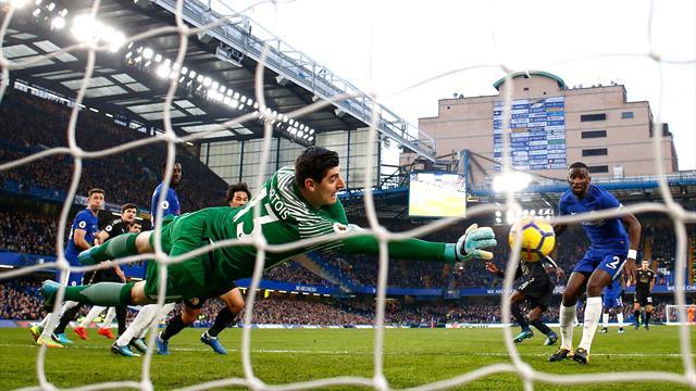 Ten-man Leicester frustrate listless Chelsea
