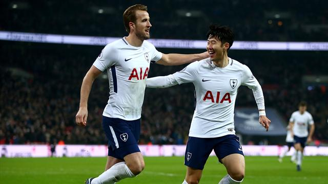 Record-breaker Kane hits double as Spurs smash Everton