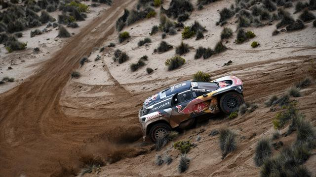 Carlos Sainz takes Dakar lead as Peterhansel hits trouble