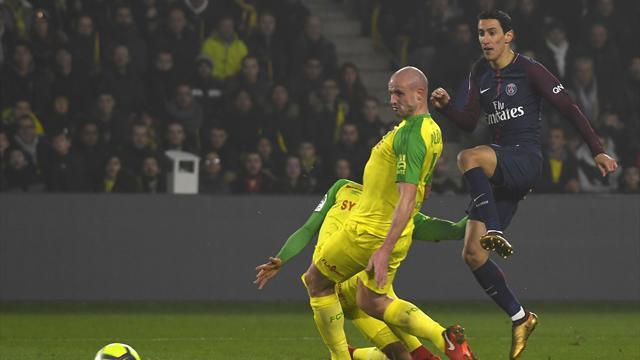Nantes-Psg, l'arbitro perde la testa: sgambetta Diego Carlos e poi lo espelle!