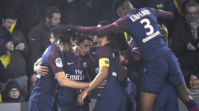 Peu de génie, un arbitrage surréaliste mais le PSG s'en sort à Nantes